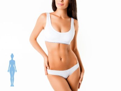 mujer de frente mostrando el cuerpo completo