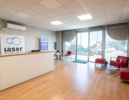 sala de espera de una clínica de laser definitive